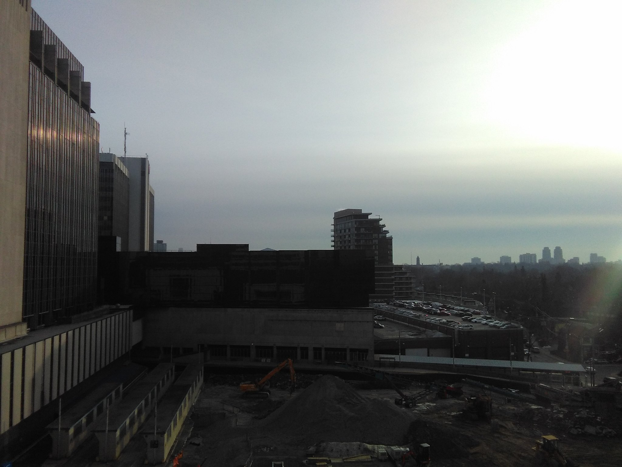 Looking south in afternoon sun, Yonge-Eglinton Centre #toronto #skyline #yongeandeglinton #yongeeglintoncentre