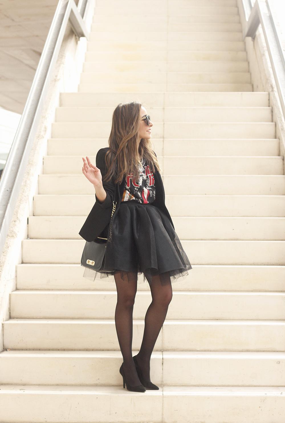 Tulle black skirt blazer maje heels coach bag necklace uterqüe madrid fashion week street style fashion outfit07