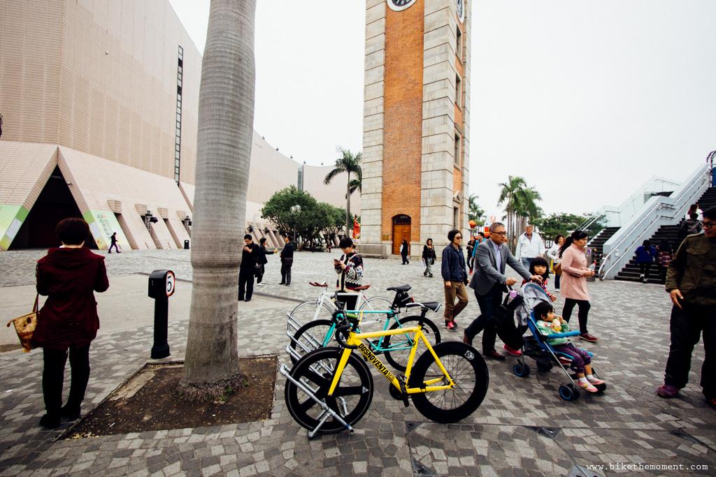 無標題  《假如讓我泊下去2 九龍中西篇》﹣香港市區單車位的幻想影集 18694400711 39c839dcda o