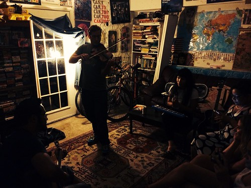 Couch Surfing Hang Out & Jam Session (June 26 2014) (4)