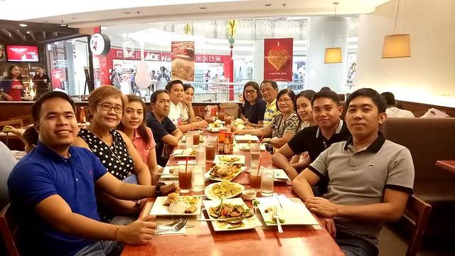 family dinner at Maxs SM Manila