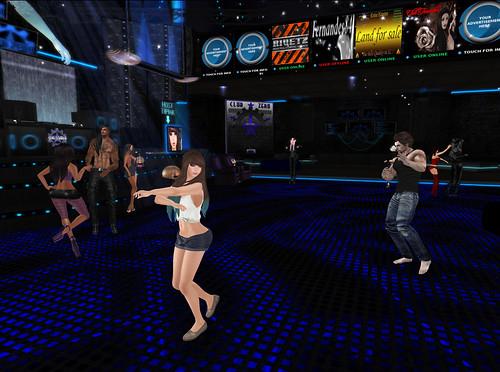 hosting-in-the-club
