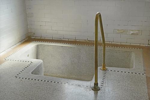 une baignoire des anciens bains municipaux de roubaix mus flickr. Black Bedroom Furniture Sets. Home Design Ideas