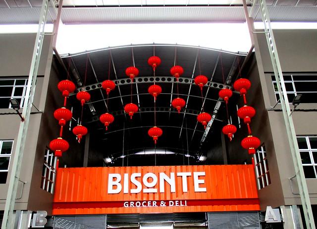 Bisonte Grocer & Deli