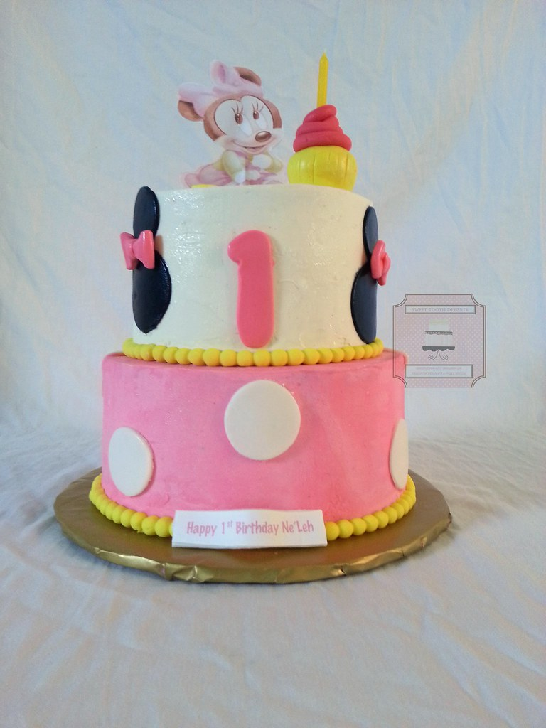 Minnie Mouse 1st Birthday Cake 2 Tier 6in And 8in Minnie Flickr