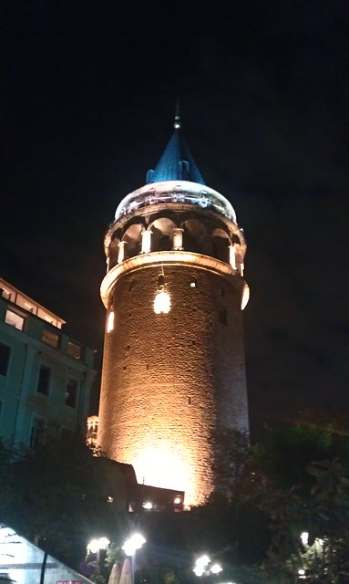 夜晚的加拉達塔