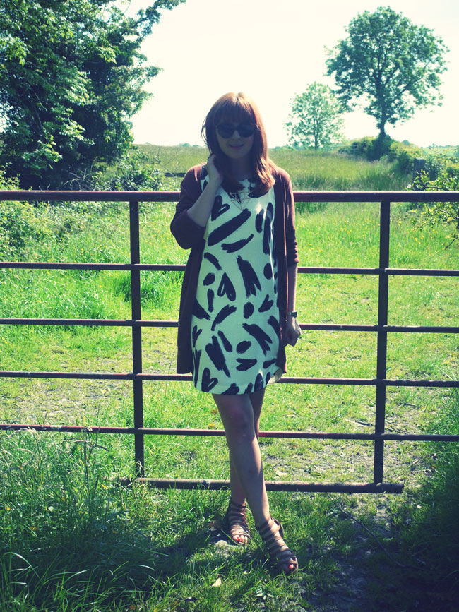 monchrome-summer-outfit