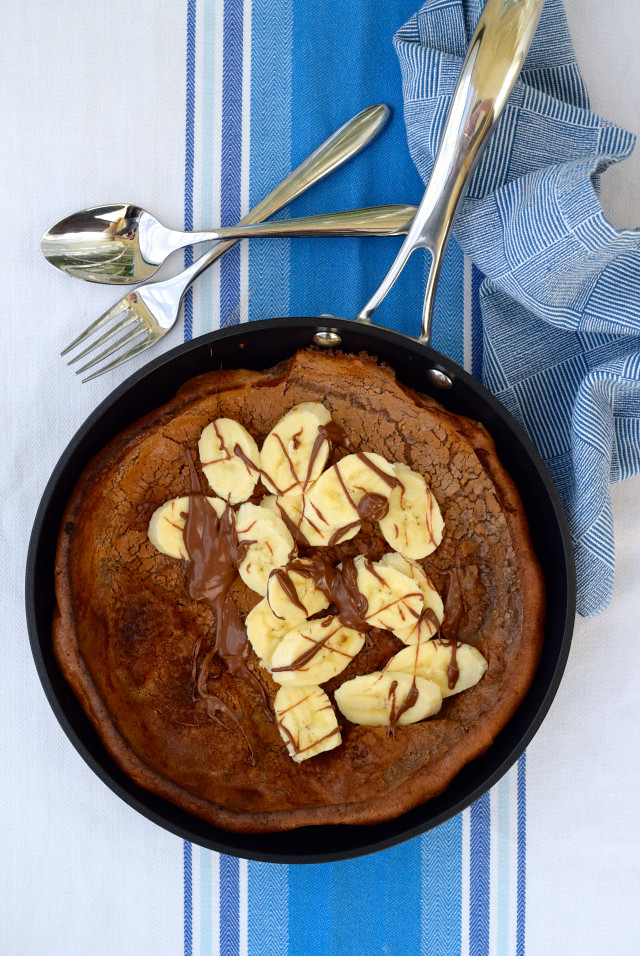 Banana and Nutella Dutch Baby Pancake | www.rachelphipps.com @rachelphipps