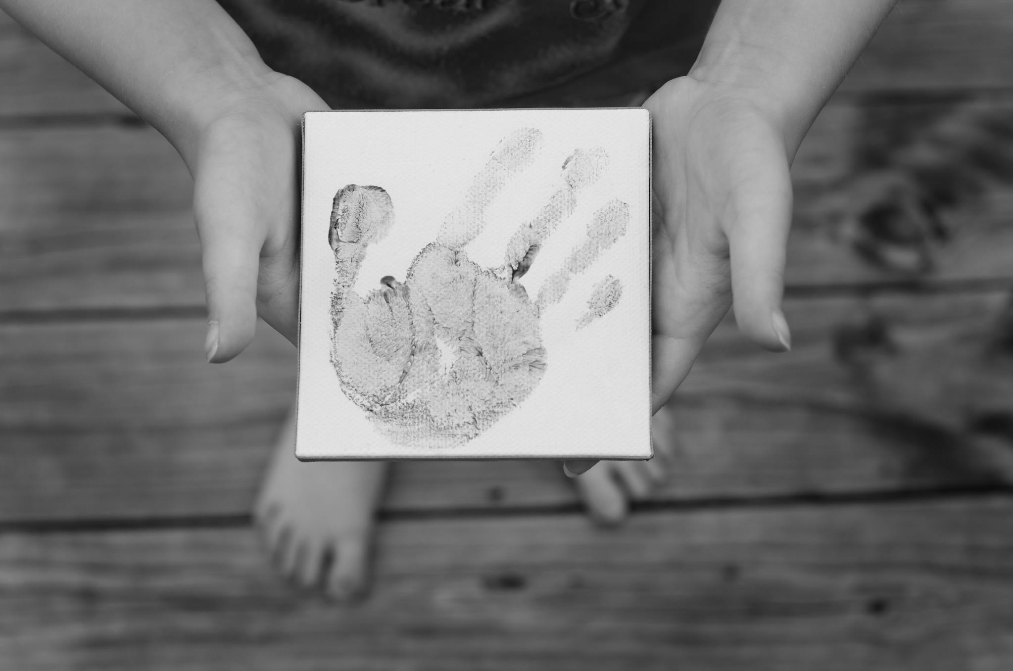 164   365 Tiny Hands