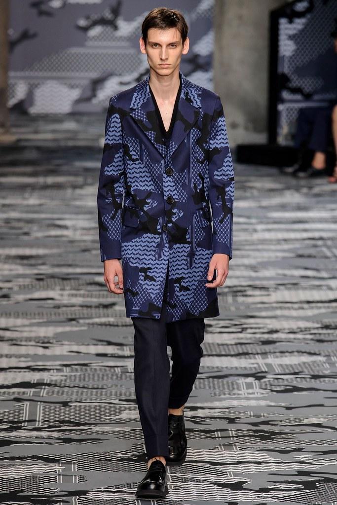 SS16 Milan Neil Barrett036_Anthony Gilardot(fashionising.com)