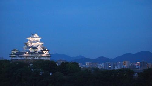 蒼白の姫路城