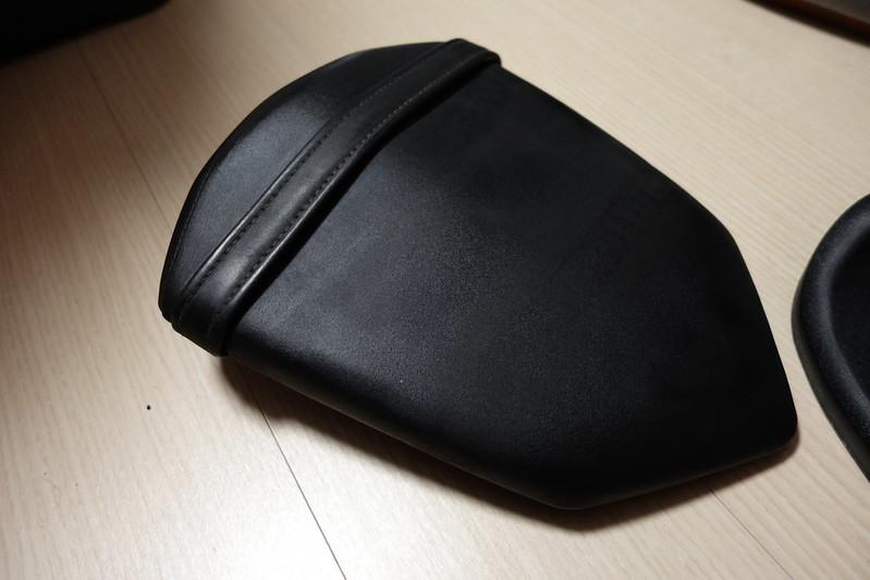 YZF-R15にリアボックス装着