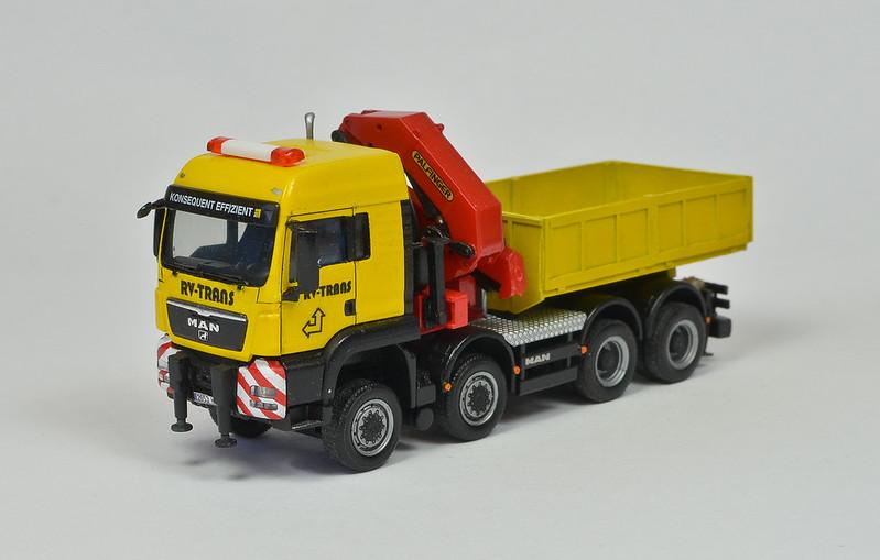 Camiones, transportes especiales y grúas de Darthrraul 32047369050_77cd186e23_c