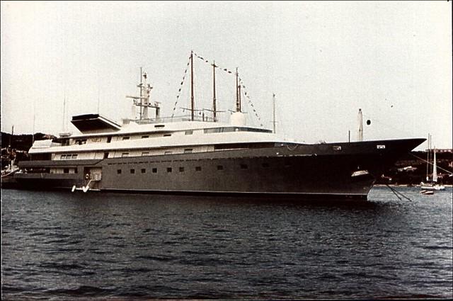 adnan kashogghis yacht nabila frank dynes flickr