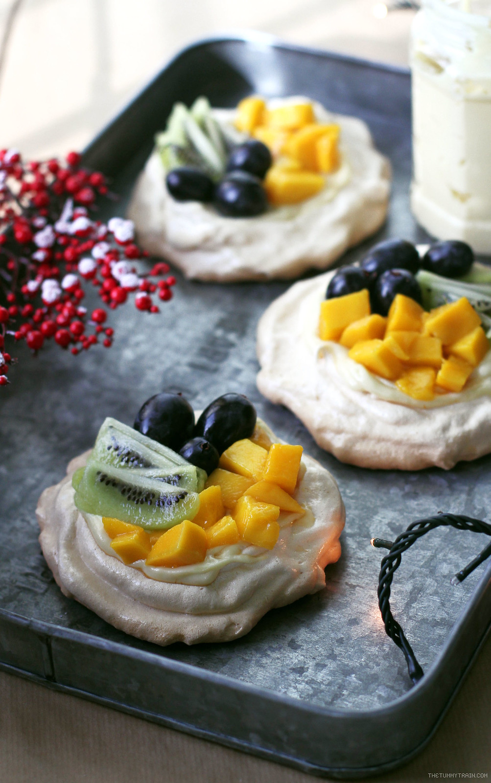 31605077112 5a74b2f19b h - Pavlova topped with cream and fruits make for a beautiful Christmas dessert [VIDEO]