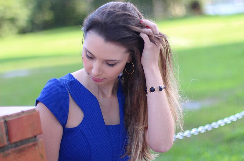 07-look com vestido azul bic com transparência jana taffarel blog sempre glamour