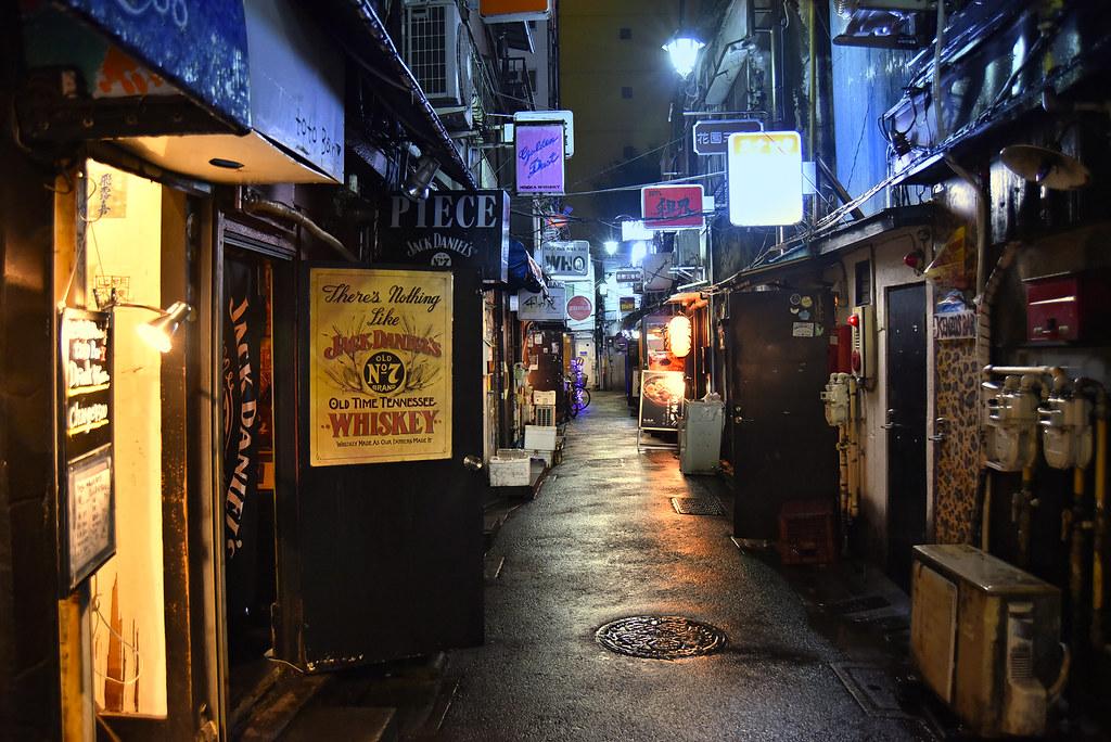 GOLDEN GAI ALLEY   Shinjuku Golden Gai (新宿ゴールデン街) is a ...