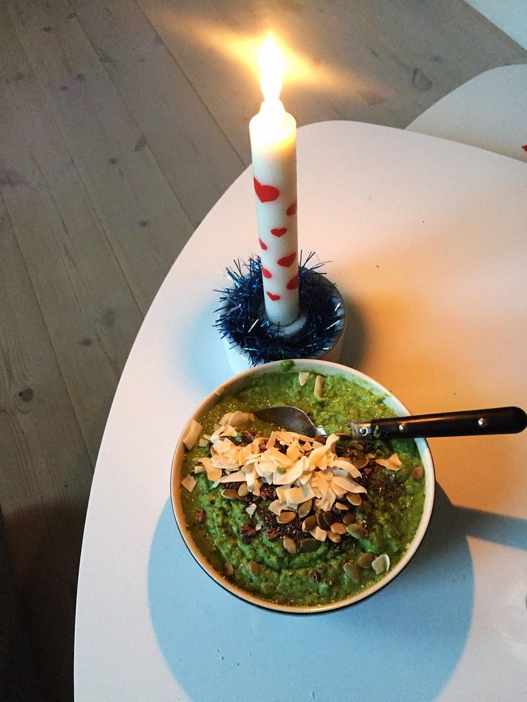 Näringsbomb - smoothie med broccoli och grönkål