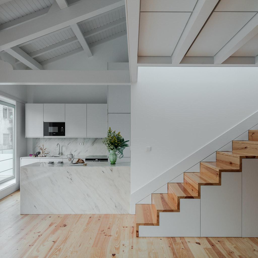 Duplex flat design in Porto by Portuguese architectural studio PF Arch Sundeno_02