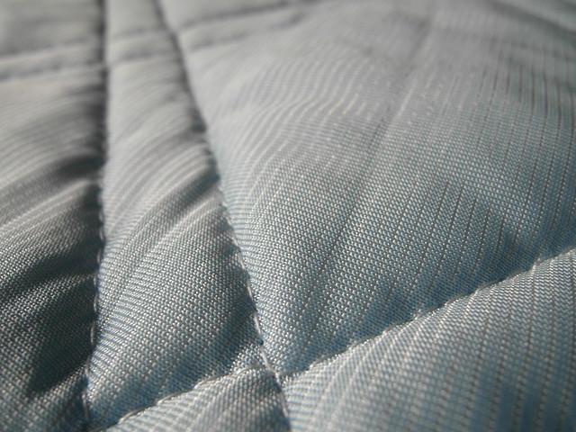 有冰涼感的亮面布@N Cool接觸涼感系列寢具