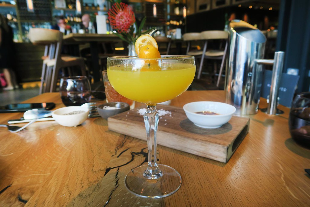 the-refinery-bar-restaurant-for-drinks-after-work-mimosa-cocktail