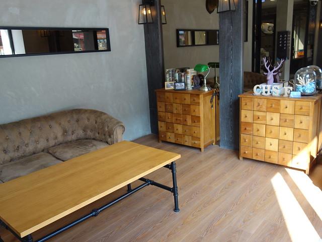大廳,有舒適的沙發@台中鵲絲旅店