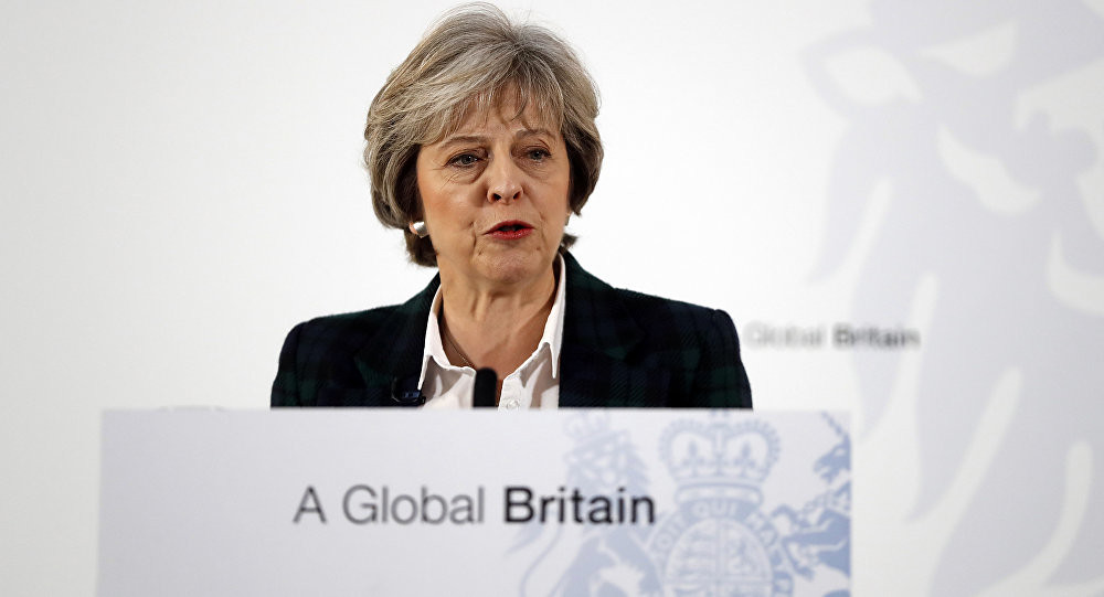 Premier inglese Theresa May al brexit global britain