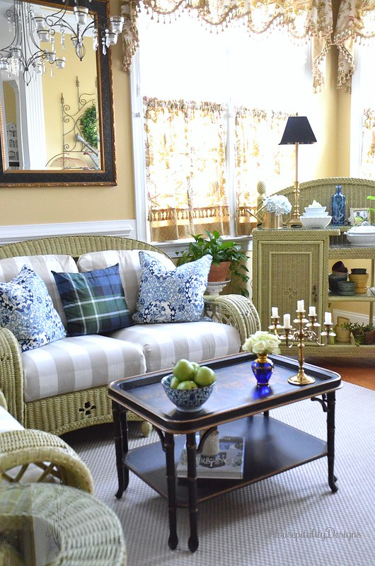 Sunroom-Blue and White-Chinoiserie-Brass-Housepitality Designs