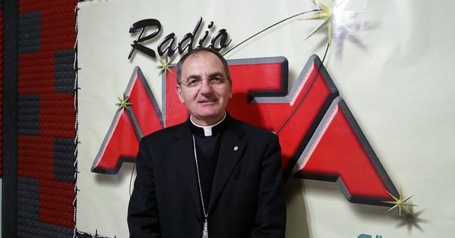 padre antonio de luca vescovo