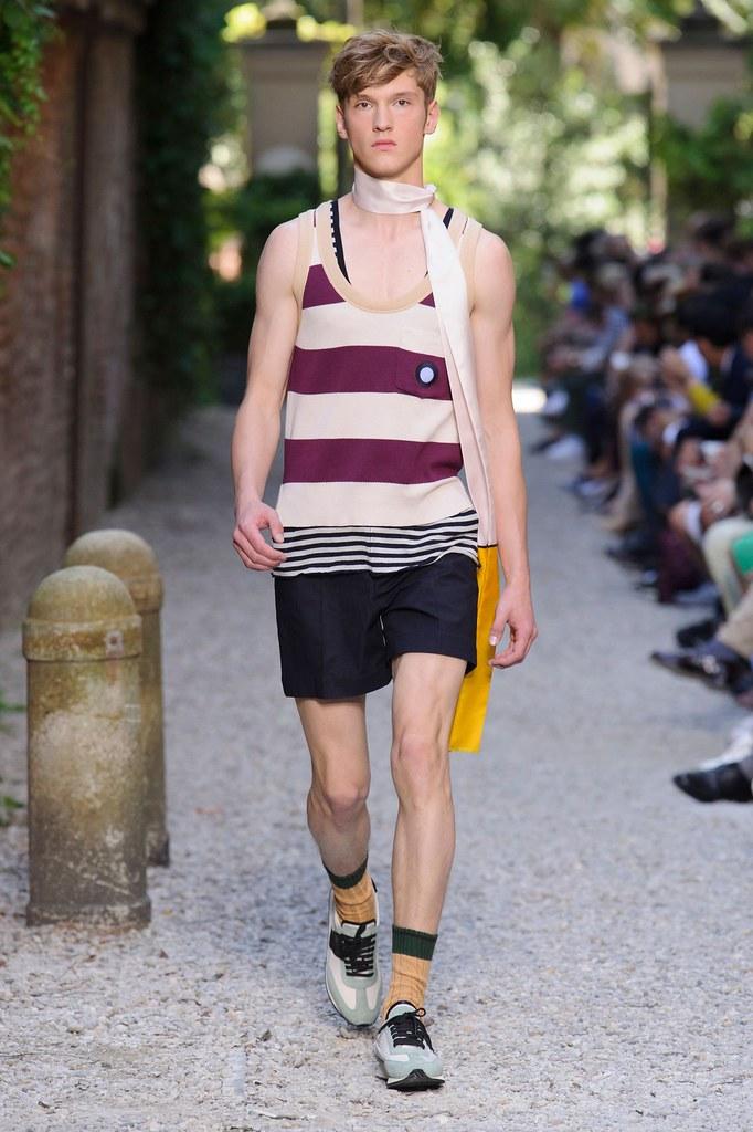 SS16 Milan Andrea Pompilio004_Maxim Steklyanov(fashionising.com)