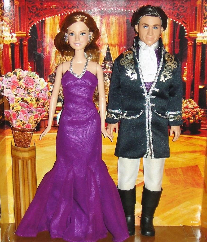 2007 Disney Enchanted Renaissance Ball Giftset (2) | Flickr