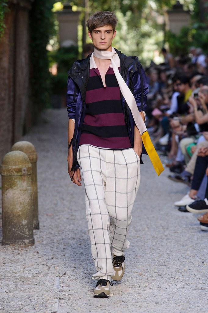 SS16 Milan Andrea Pompilio028_Guerrino Santulliana(fashionising.com)