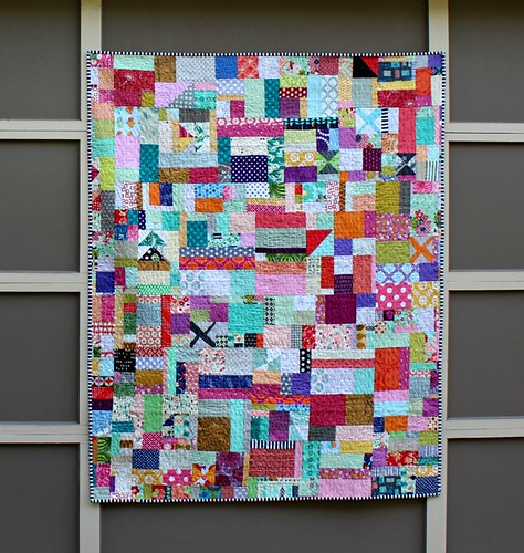 Bilateral :: A Boxed In Scrappy Vortex Quilt | by aquilterstable