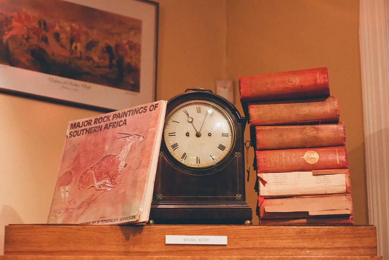 {select books} via chevrons & éclairs