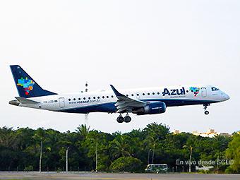 Azul ERj190 landing (E.Moura)