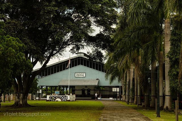Museum KA16-9870crw