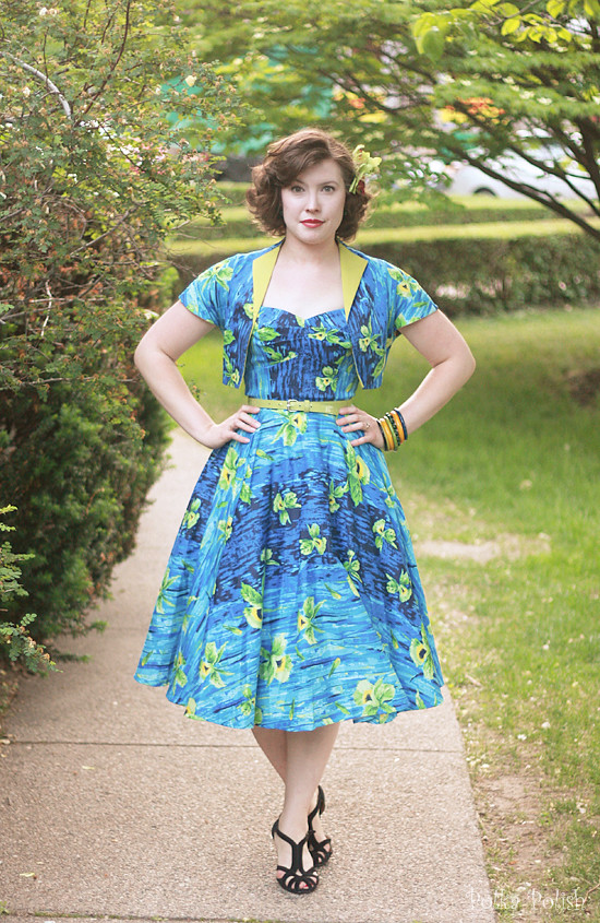 pinup girl hawaiian dress 2