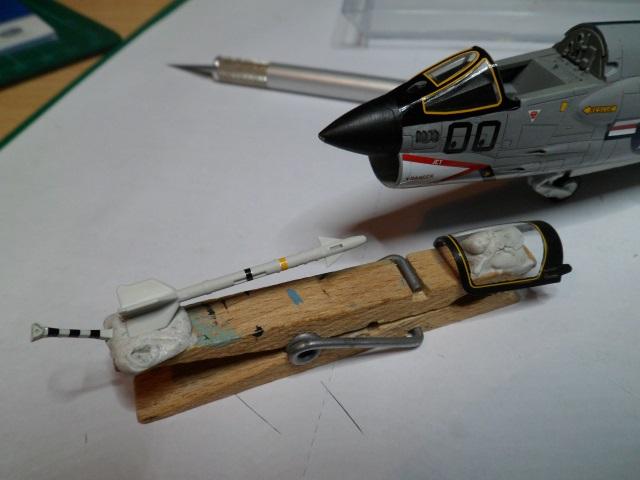 Pas-à-pas : Vought F-8E Crusader [Academy 1/72] - Page 2 31442221141_b6c249272f_o