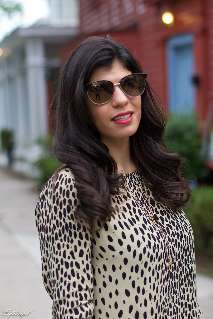 leopard tunic, white denim, leather tote-1.jpg