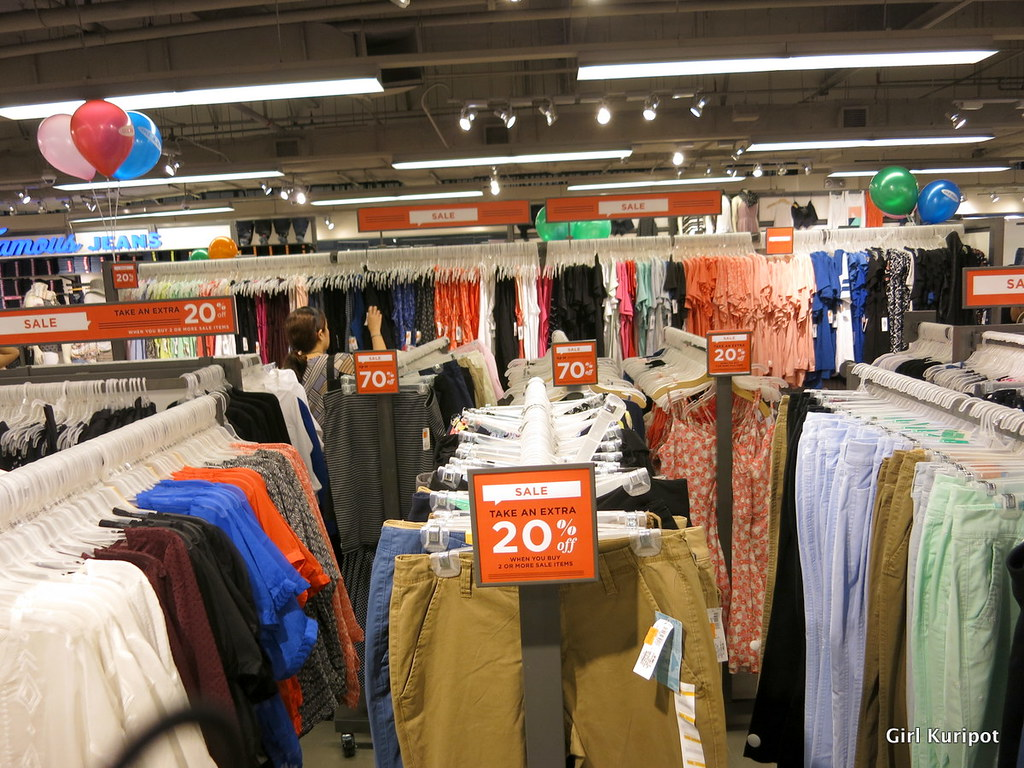 old-navy-manila.jpg | Robinsons Red Hot Sale Finds This Augu… | Flickr