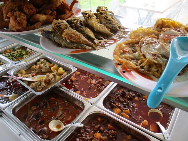 Noor Satay Islamic Cafe eggs, fish & chicken