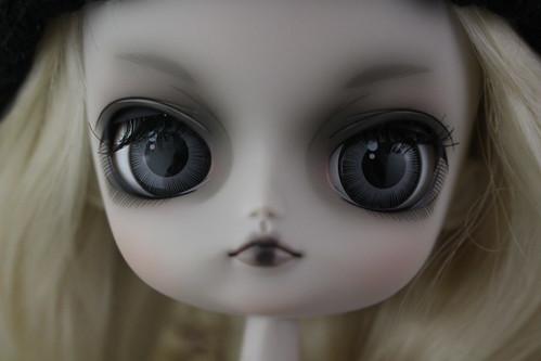 Lyla Face Up