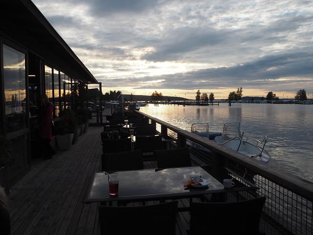 P6195471, lahti, teivaan lokki, lokki, ravintola, restaurant, lahti, vesijärvi, lokki, jalkarannantie, ravintola teivaan lokki, terassi, järvi, vene, boat,