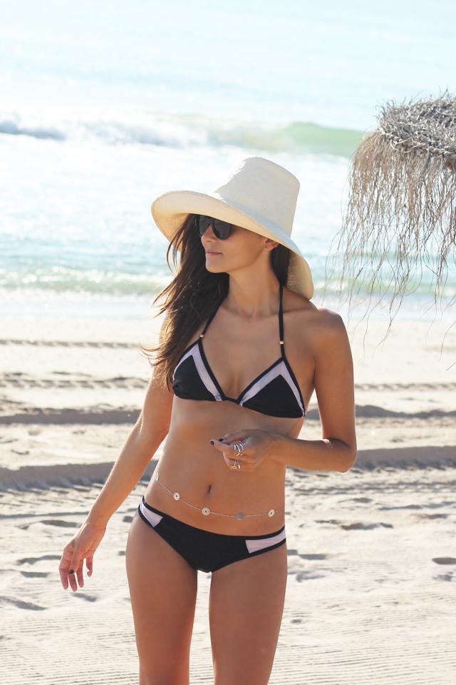 black bikini coohuco 1
