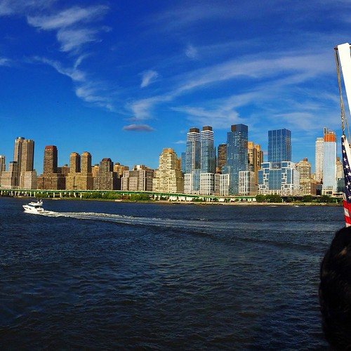 The Manhattan skyline seen from the Lobster Company boat o… | Flickr