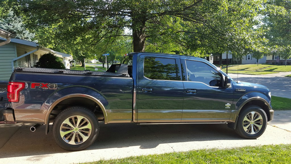 2018 Ford Truck >> A Black Heavy Duty Tonneau Cover On A Ford F150 | Eric S. of… | Flickr