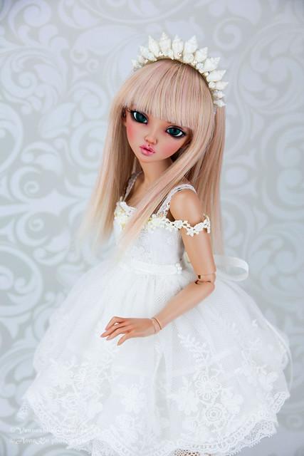 Eva in White