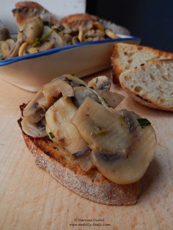 ciuperci cu cimbru si Marsala