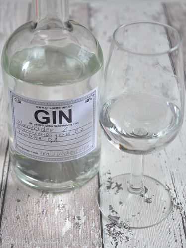 ©Gin Workshop in der Küche Ahoi - Frau Küchenlateins Gin gereift