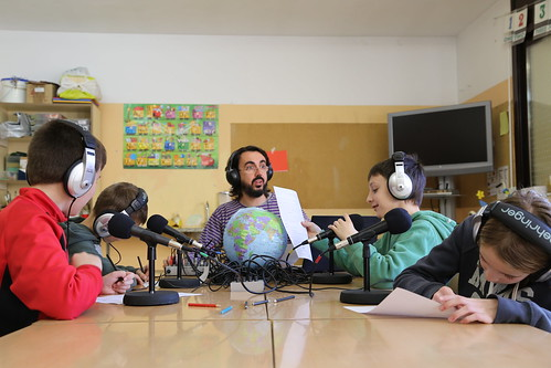 Taller radiofònic a l'Escola Segimon Comas de Sant Quirze de Besora